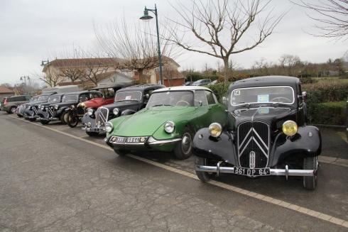 de-tres-beaux-vehicules-anciens-etaient-exposes-l-an_1012836_490x327p