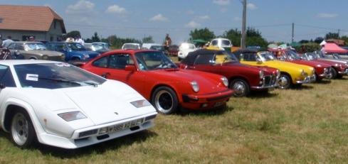 plus-de-160-vehicules-anciens-etaient-presentes-en-2013_1037588_490x231p